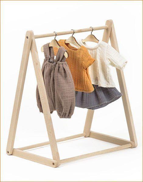 dressing en bois naturel pour poupees et poupons