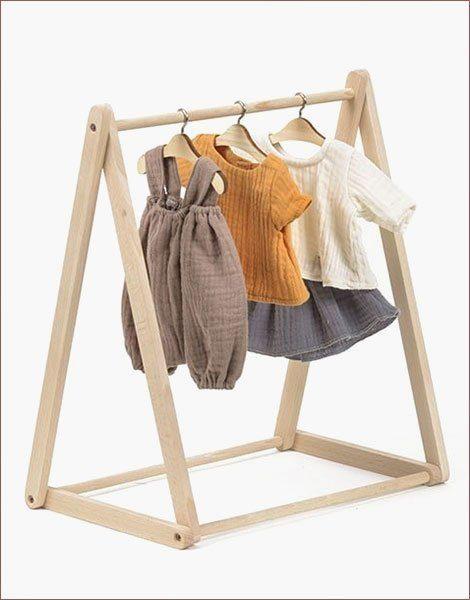 Porte vêtements en bois naturel