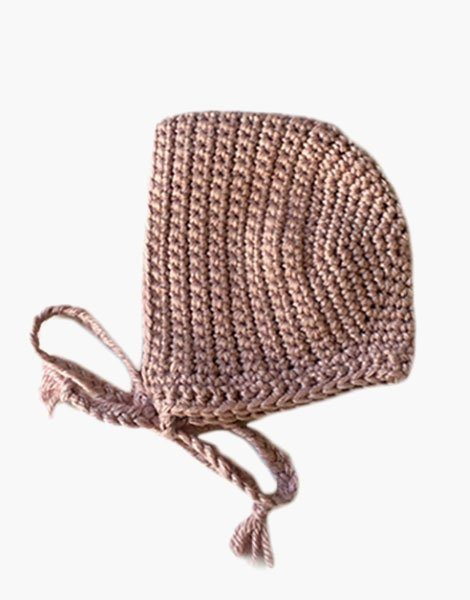 Béguin rond en crochet Parme