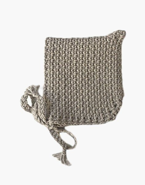 Béguin pointu en crochet mastic