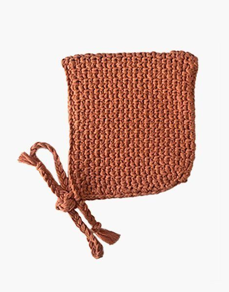 Béguin pointu en crochet Marsala