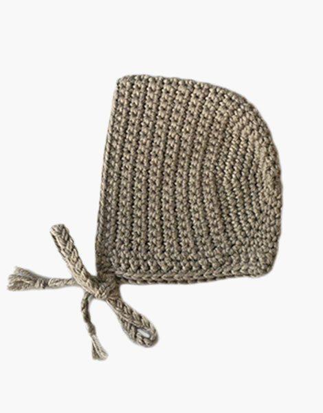 Béguin rond en crochet Mastic