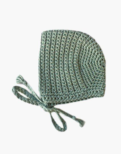 Béguin rond en crochet Vert amande