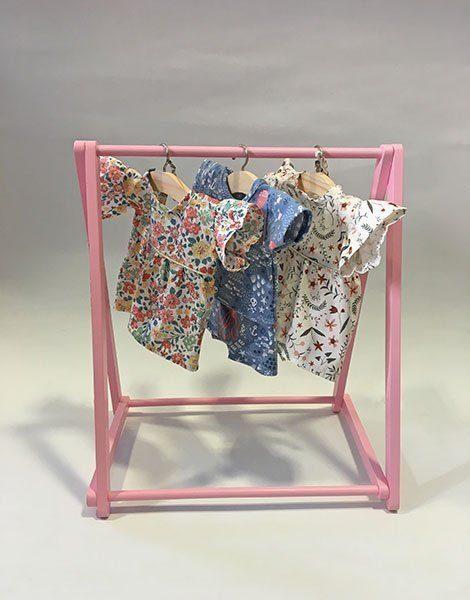 *Porte vêtements en bois rose