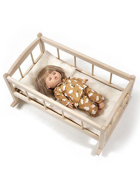 Lit en bois, matelas, oreiller coton et couverture en tricot