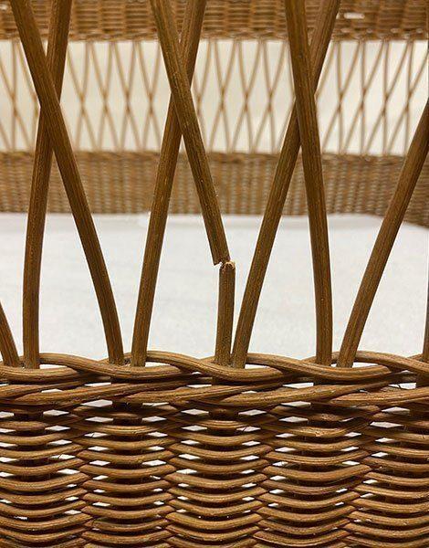 *Lit Enfant ancien en rotin/bambou sur roues 110 x 55cm avec matelas