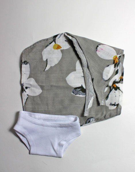 *Paréo Fleurs des îles et sa culotte en coton blanc