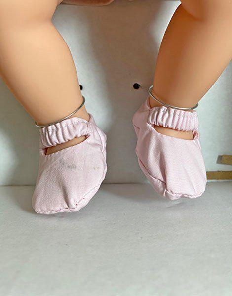 *Poupée vintage Mila (Défaut : chaussure)