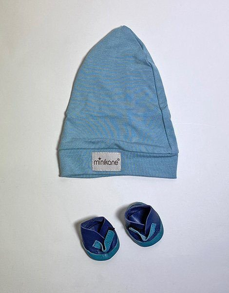 *Bonnet socks en jersey bleu et sa paire de slippers