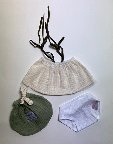 *Ensemble Jupe en double gaze écru et sa tulle / Culotte en coton blanc / Pochon en double gaze Vert olive
