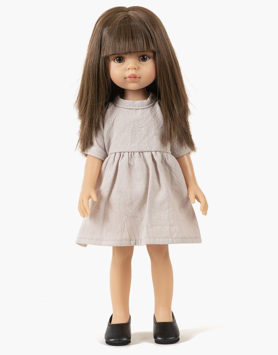 Minikane - Dressing pour poupées Amigas. Carol porte une robe Faustine en lin beige
